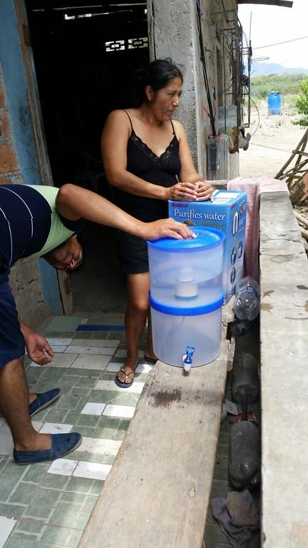 Luisa Vinces of Paz Esperanza Ecuador sent these photos. She is working in Guayaquil at their office and have staff/volunteers in the affected areas.   Hasta el momento se están entregando 660 filtros gracias a la donación de PADF 140  Diakonia 380 Tearfund 340